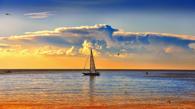 sailboat-at-sunset-46572